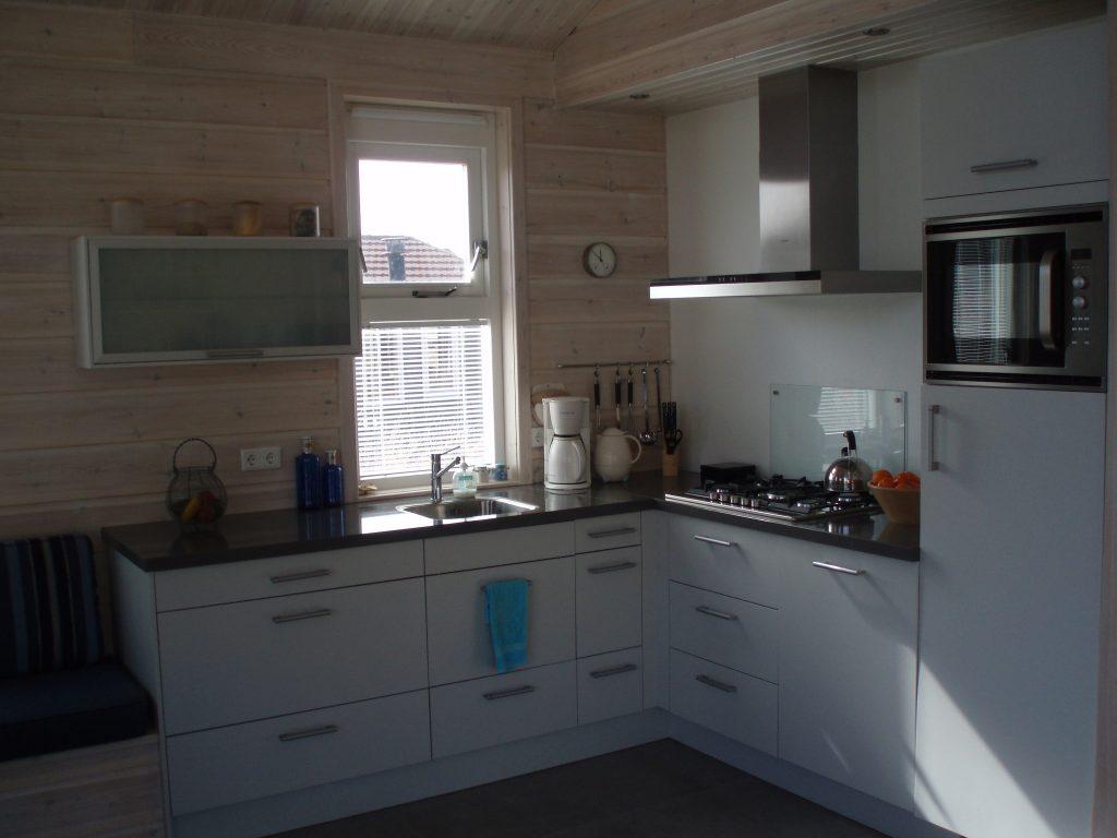 Moderne keuken Huisje Ithaka